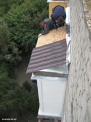 Установка крыш балконов. Монтаж балконных и входных козырьков. Ремонт