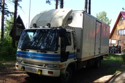 Водитель с грузовым автомобилем 5т. 35м.куб.с аппарелью