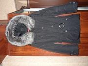 Продам новую зимнюю куртку, цвет черный с капюшоном.